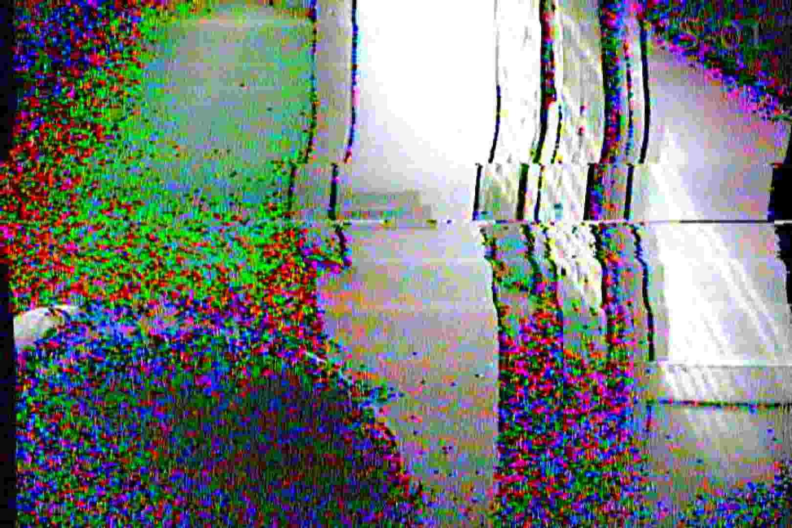 海の家の更衣室 Vol.03 エッチなOL 隠し撮りオマンコ動画紹介 93枚 44
