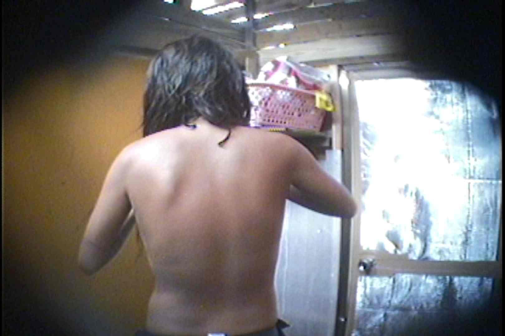 海の家の更衣室 Vol.56 シャワー スケベ動画紹介 98枚 47