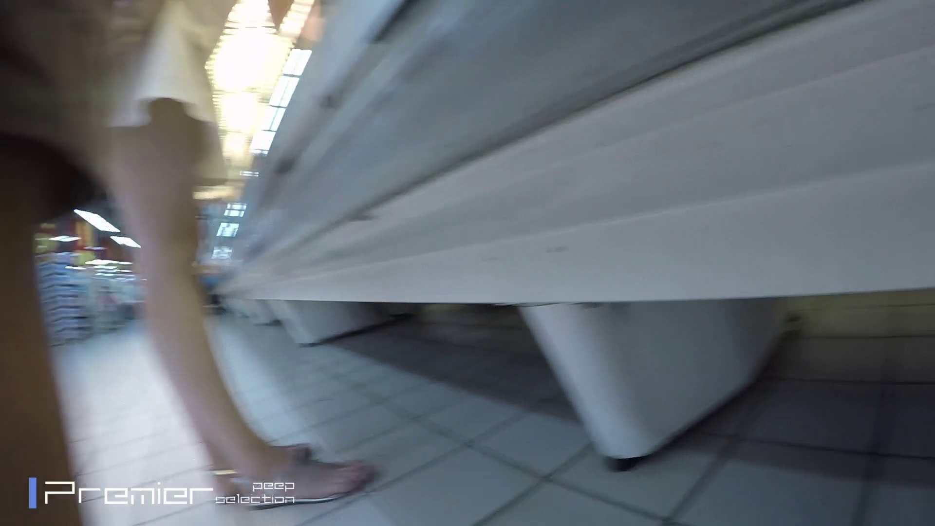 白ミニワンピから覗むピンクの華 美女の下半身を粘着撮り! Vol.01 エッチなOL オメコ動画キャプチャ 79枚 63