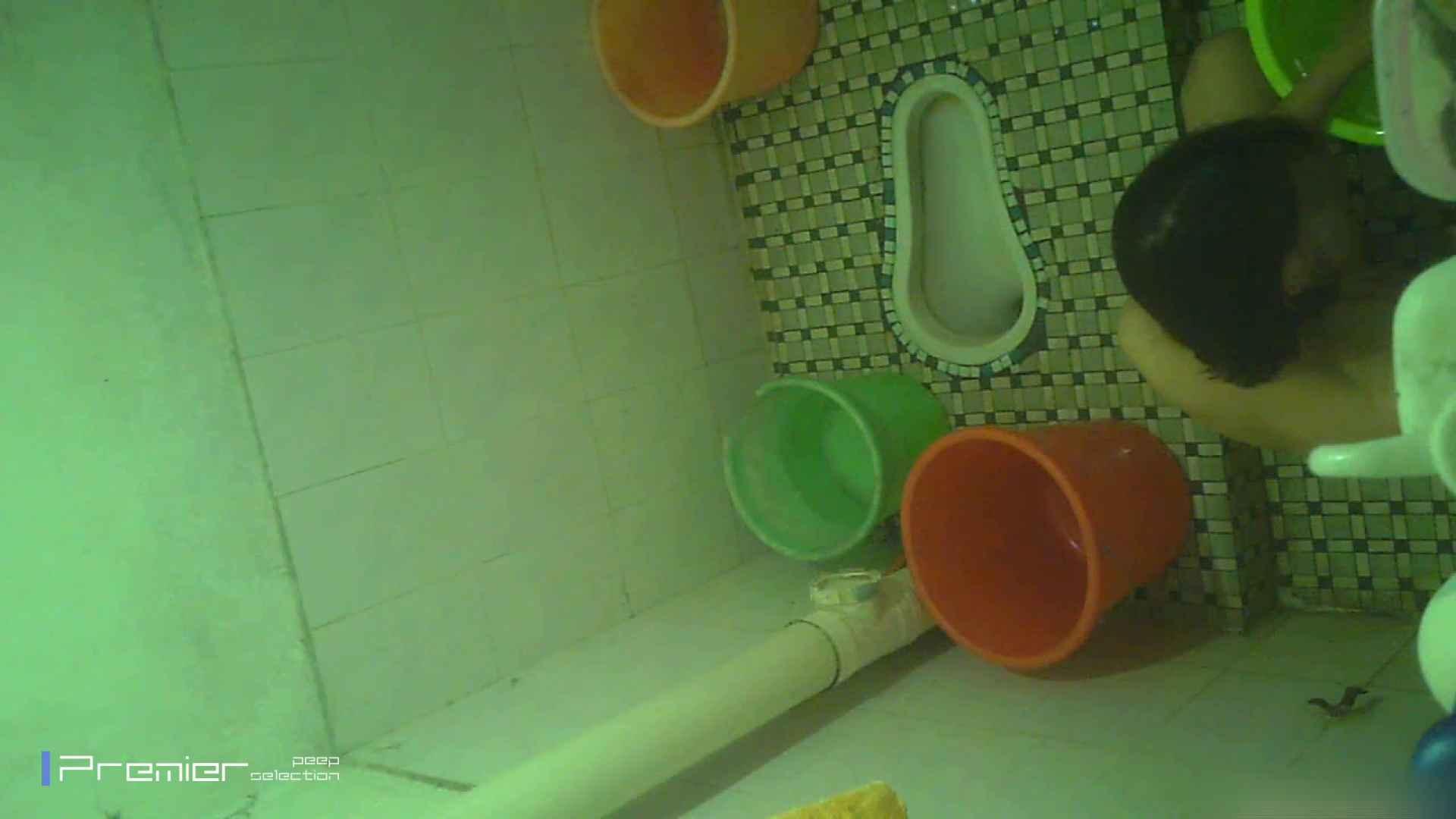 美女の痴態に密着!洗面所で体を洗う!絶世の美女 Vol.06 潜入  87枚 35