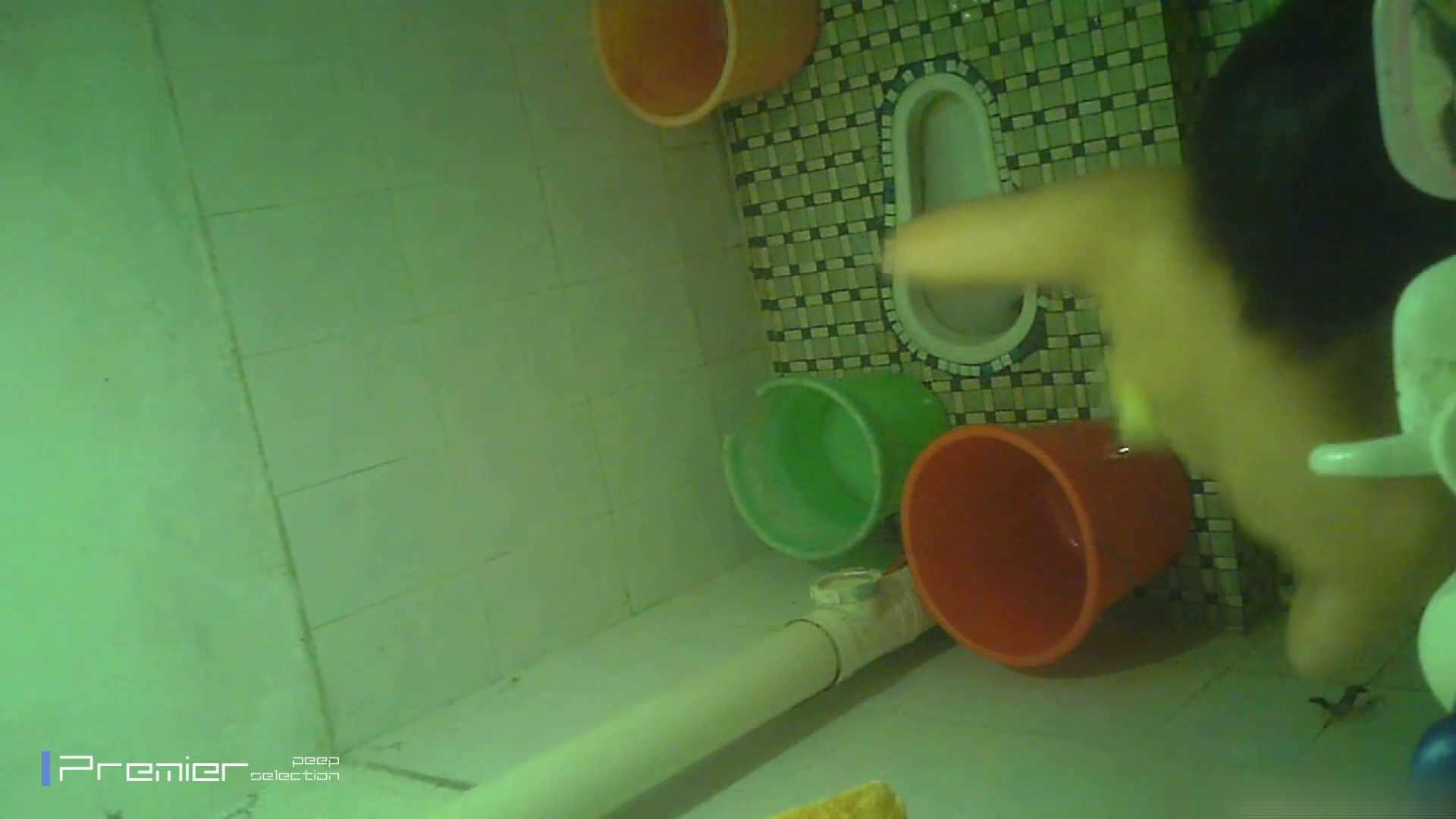美女の痴態に密着!洗面所で体を洗う!絶世の美女 Vol.06 潜入 | チラ  87枚 64