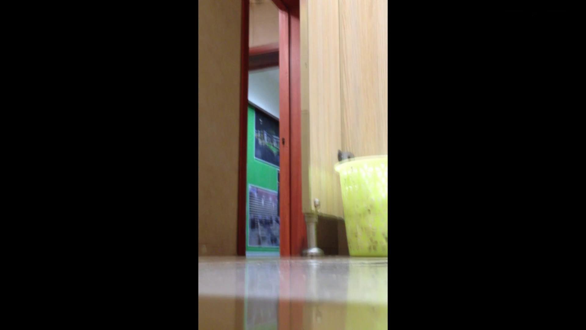 芸術大学ガチ潜入盗撮 JD盗撮 美女の洗面所の秘密 Vol.87 潜入 SEX無修正画像 79枚 70