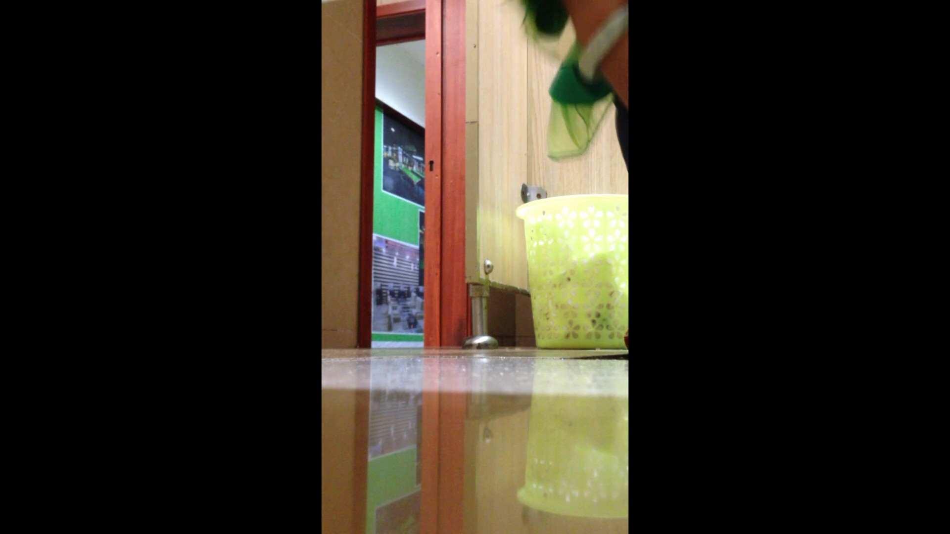 芸術大学ガチ潜入盗撮 JD盗撮 美女の洗面所の秘密 Vol.87 禁断のトイレ われめAV動画紹介 79枚 77