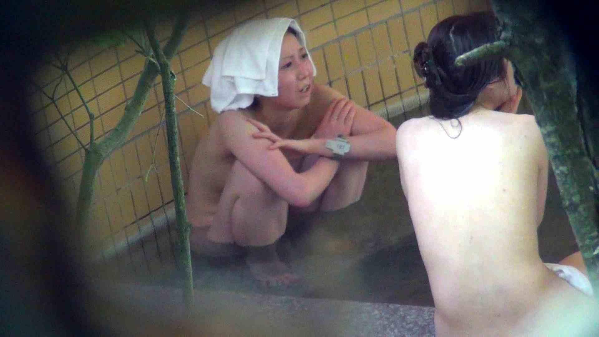 Vol.44 アラサー三人露天風呂女子会開催中 露天入浴 | 美女  110枚 73