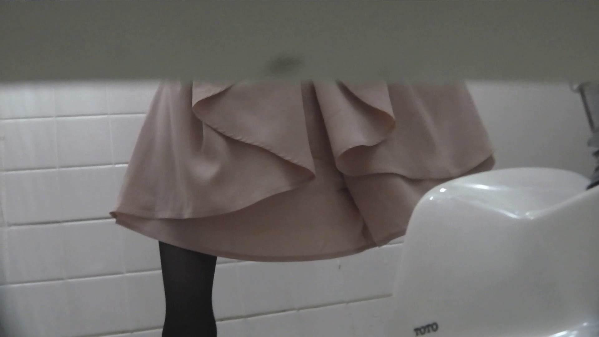 お銀さんの「洗面所突入レポート!!」Nol.10 タレント並みの美人 | エッチなOL  90枚 34