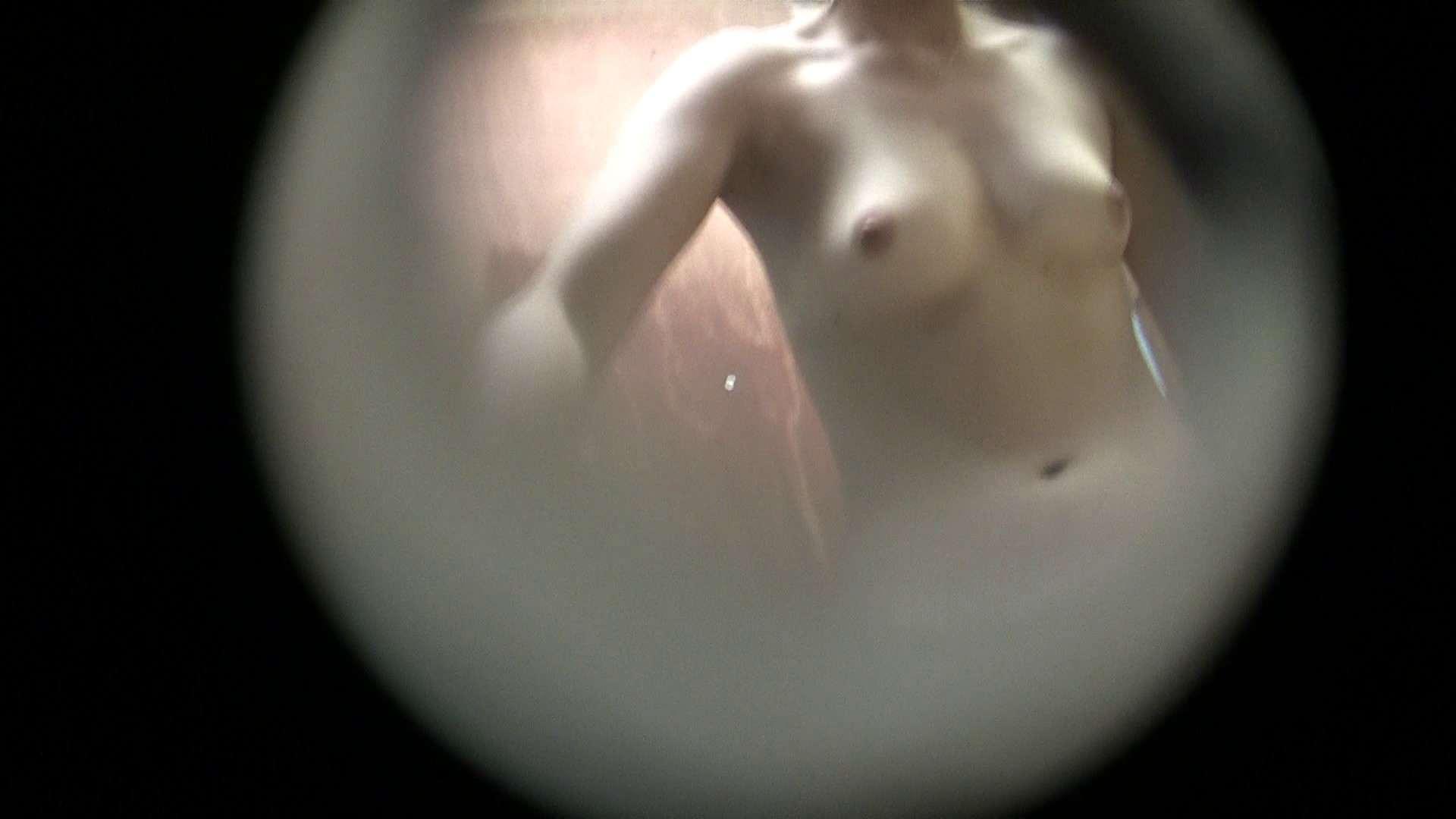 NO.09 いまいち年齢不詳のムッチリ色白嬢 シャワー  105枚 33