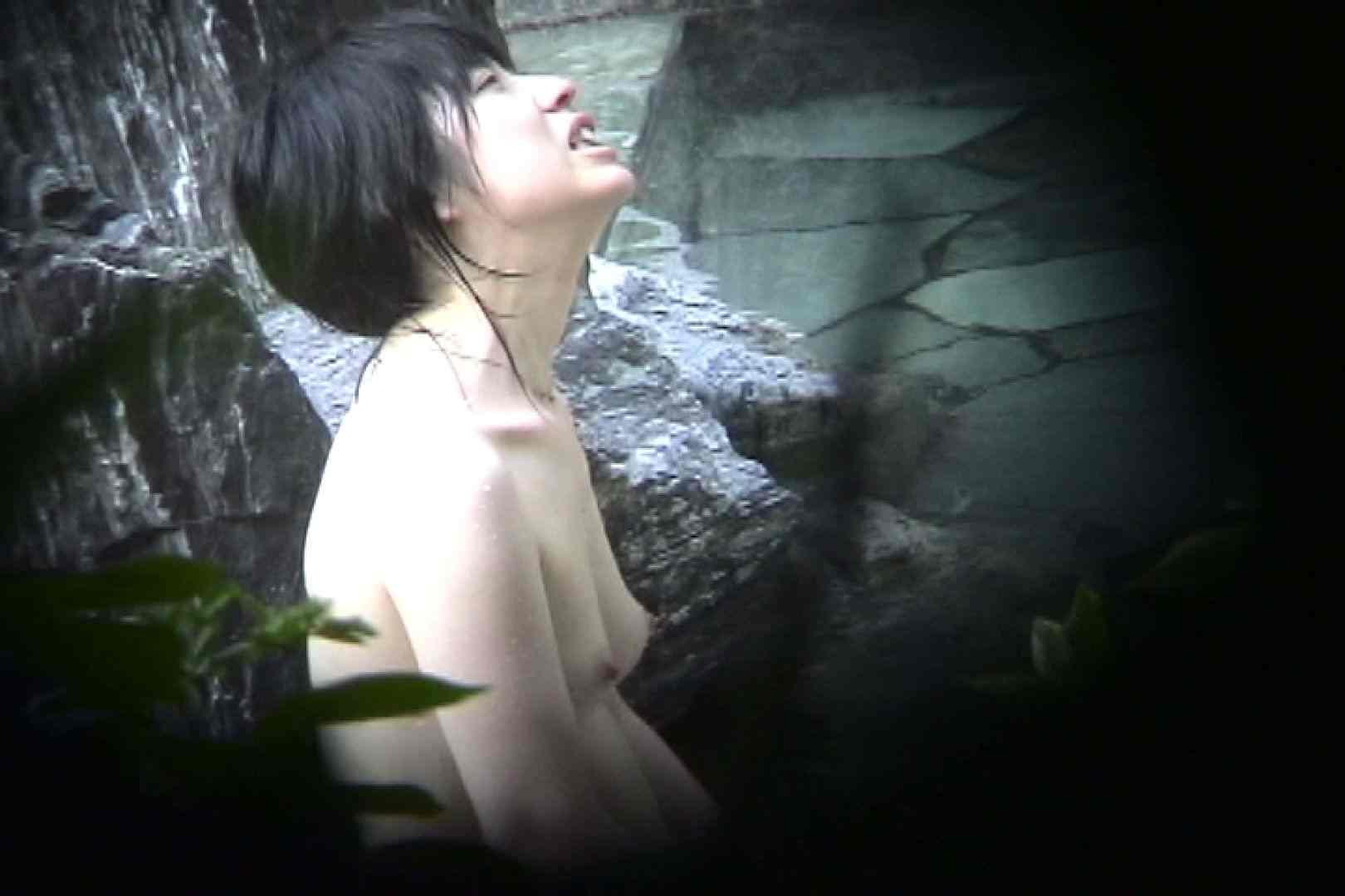 No.11 オトナな女は全裸で裸姿森林浴 露天入浴  106枚 28