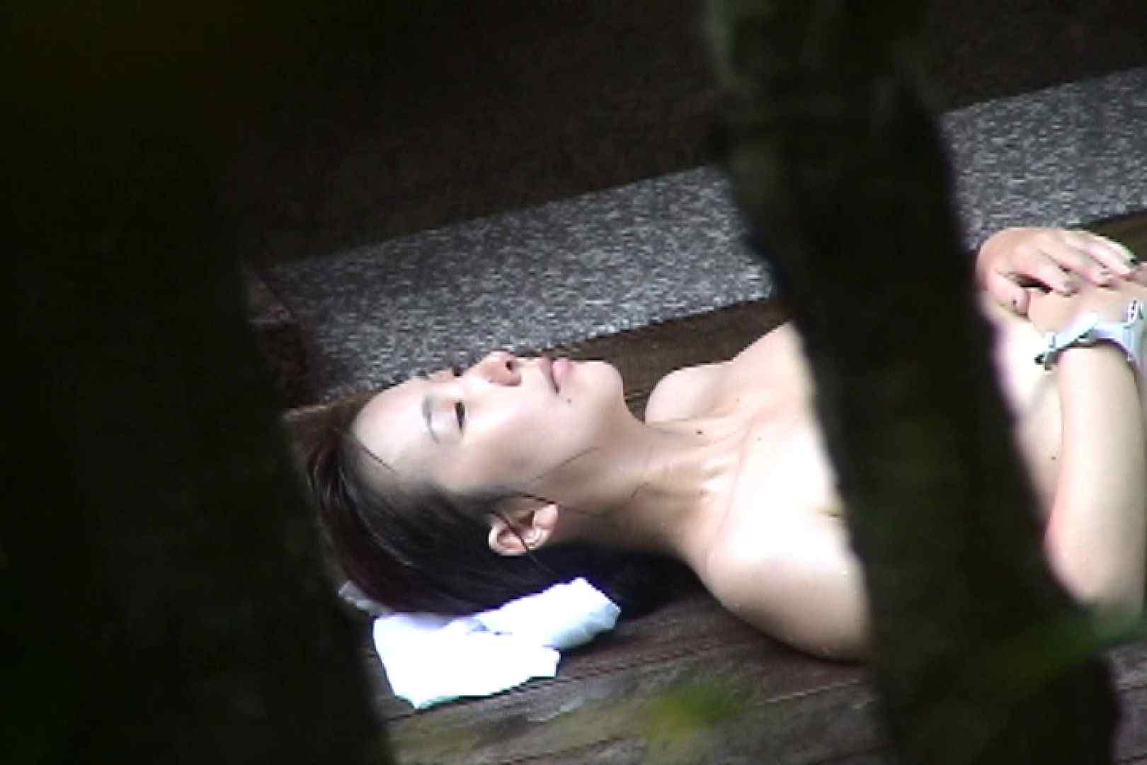 No.11 オトナな女は全裸で裸姿森林浴 露天入浴   美女  106枚 37