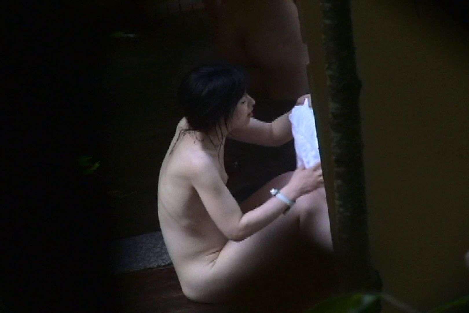No.11 オトナな女は全裸で裸姿森林浴 露天入浴   美女  106枚 51