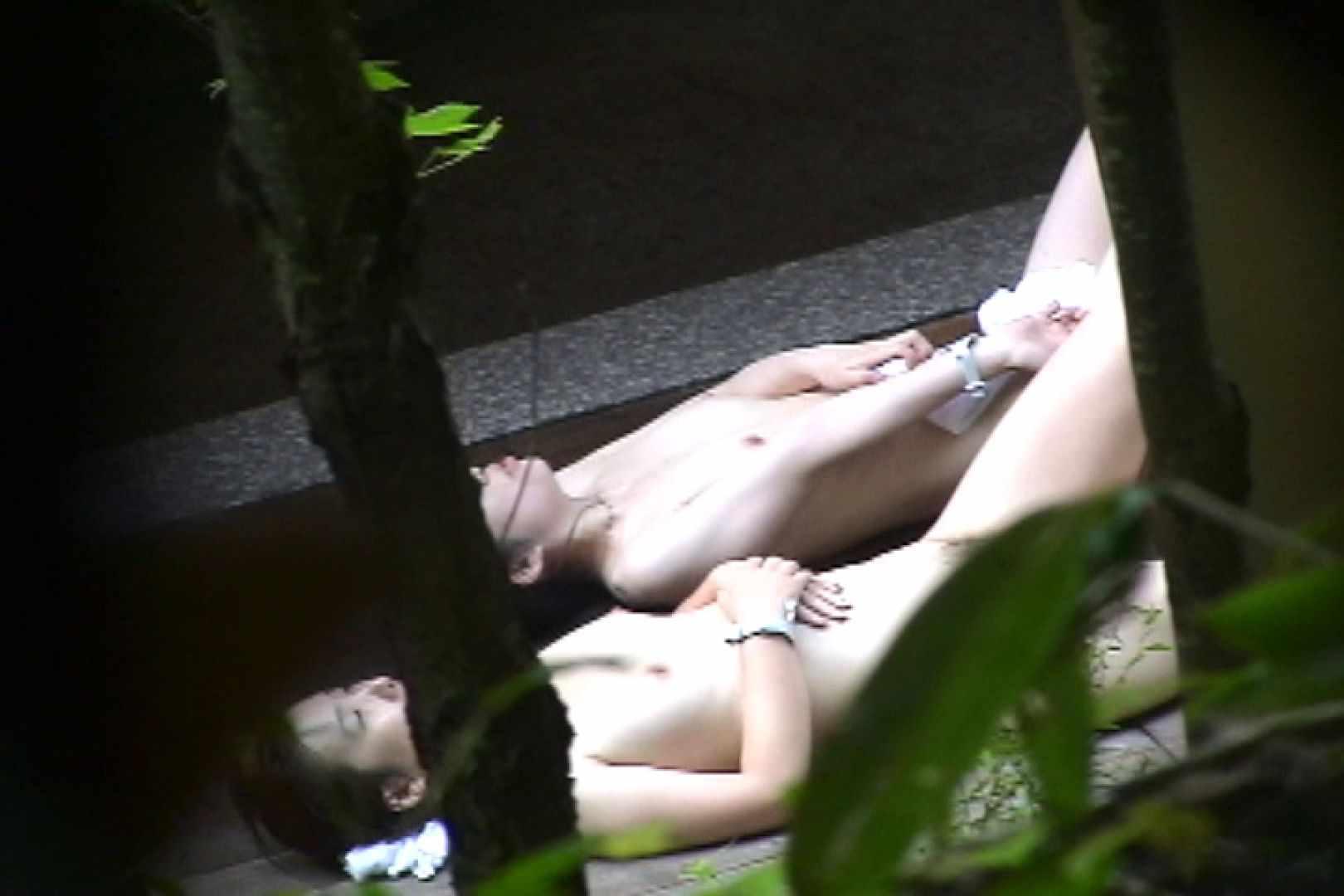 No.11 オトナな女は全裸で裸姿森林浴 露天入浴  106枚 62