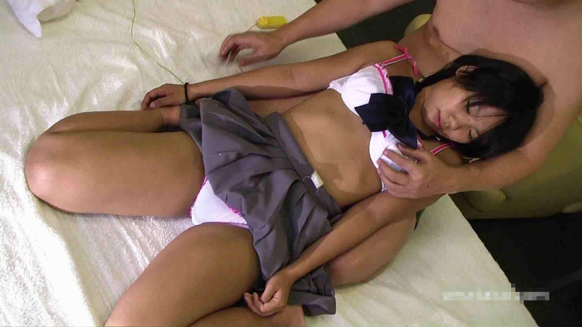 投稿素人 もえ18歳制服編 フェラ スケベ動画紹介 80枚 32